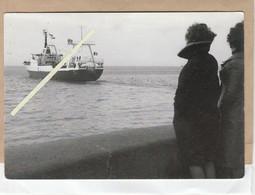 Dept 76 : ( Seine Maritime ) Fécamp, Le Chalutier Congélateur NEVE Direction Terre-Neuve 1967. - Fécamp