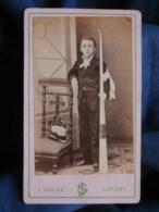 Photo CDV  Sébire à Lorient  Communiant Avec Un Grand Cierge  CA 1870 - L493 - Old (before 1900)