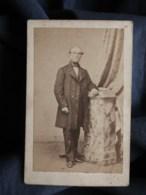 Photo CDV Sébire à Lorient  Homme âgé élegant  Sec. Empire  CA 1860-65 - L493 - Old (before 1900)