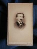 Photo CDV  Villard à Quimper  Portrait Homme Moustachu  Sec. Empire  CA 1865 - L493 - Old (before 1900)