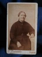 Photo CDV  Daireaux à Paris  Portrait Femme Corpulente Assise  CA 1890 - L493 - Old (before 1900)
