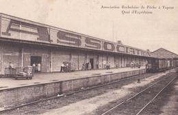 LA ROCHELLE (17) : Train Au Quai D'expédition  .  Association Rochelaise De La Pêche à Vapeur - La Rochelle