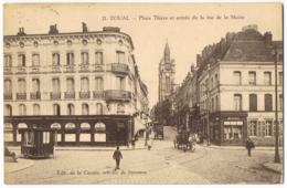 Douai - Place Thiers Et Entrée De La Rue De La Mairie - 21 - Animée - Calèches - Ed De La Civette - Circulé  - DUCATEL - Douai