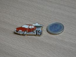 AUTOMOBILE RENAULT 19. R19. - Renault
