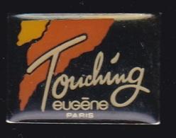 63851- Pin's-Parfun Touching.Eugene.Paris. - Parfums