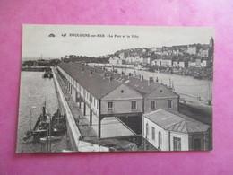 CPA 62  BOULOGNE SUR MER LE PORT ET LA VILLE - Boulogne Sur Mer