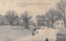 24 - Salignac - Avenue - Place Du Champ De Mars Animée - Autres Communes