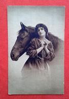 CPA Fantaisie - Femme Et Cheval - Women