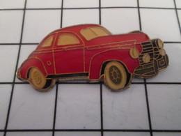 816c Pin's Pins / Beau Et Rare / THEME : AUTOMOBILES / VOITURE ROUGE ANNEES 50 A IDENTIFIER - Autres