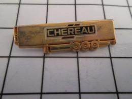 816c Pin's Pins / Beau Et Rare / THEME : TRANSPORTS / REMORQUE DE CAMION 38T CHEREAU METAL JAUNE - Transportation