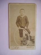 PHOTO CDV 19 EME JEUNE GARCON JOUET CERCEAU PETIT MARIN MODE Cabinet DUFEY A  CONTREXEVILLE NANCY - Old (before 1900)