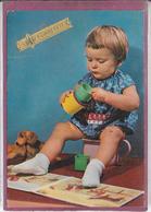 JEUNE ENFANT Sur Le Pot - Enfants