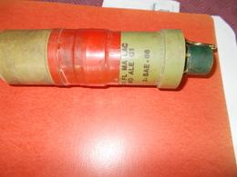 GRENADE LACRYMOGENE A MAIN BOUCHON ALLUMEUR 1,5 SECONDE (INERTE ET NEUTRALISE) - Armes Neutralisées