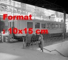 Reproduction D'une Photographie Ancienne D'un Wagon-restaurant à La Gare De Montreux En Suisse En 1946 - Reproductions