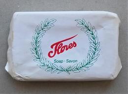 - Savon - Ancienne Savonnette D'hôtel - Flores - - Produits De Beauté