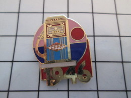 716a Pin's Pins / Beau Et Rare / THEME : CARBURANTS / CFPP POMPE A ESSENCE 1948 - Carburants