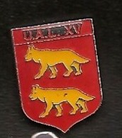 A240 Pin's Rugby UAL Laloubère Hautes-Pyrénées Loup Wolf Forme ECUSSON Achat Immédiat - Rugby