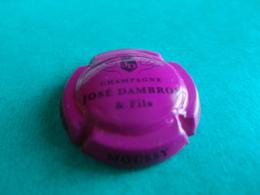 CAPSULE DE CHAMPAGNE  -    DAMBRON JOSE  -  N°  06  Rose Foncé Et Noir - Autres