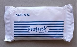 - Savon - Ancienne Savonnette D'hôtel - Newfresh - - Produits De Beauté