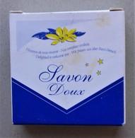 - Savon - Ancienne Savonnette D'hôtel - Savon Doux - - Produits De Beauté