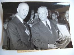 Photo De Presse 1958 Le Lord Maire De LONDRES TUISCOTT En Visite à Paris London Great Britain Grande Bretagne - Célébrités