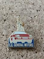 1 Pins Voiture Ce General Motors Statue De La Liberté - Otros