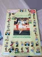 Pin's  Sport  FOOT - BALL, Plaque  Avec  36  Pin's  Du  Joueur  JEAN - PIERRE  PAPIN  Voir  Description - Personajes Célebres