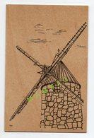 CARTE EN BOIS - ILLUSTRATEUR M.C - MOULIN A VENT - Cartes Postales