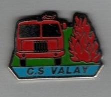 Pin's  Ville, Sapeurs  Pompiers  De  VALAY  ( 70 )  Camion  Rouge - Firemen