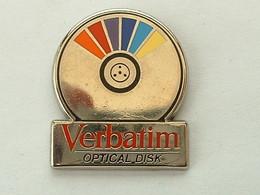 Pin's VERBATIM - OPTICAL DISK - ZAMAC - Informatique
