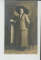 BELGIQUE - ANVERS - MODE - Belle Carte Photo Portrait Jeune Femme élégante Réalisée En 1911 Par Photo. A. VERBEECK & CO - Antwerpen