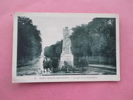 SAINT AMAND MONTROND_Avenue De La République - Le Monument Aux Morts - Saint-Amand-Montrond