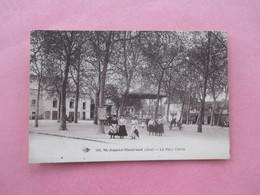 SAINT AMAND MONTROND_La Place Carrée_Belle Animation Devant Le Kiosque A Musique - Saint-Amand-Montrond