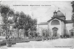 Clermont Ferrand. La Cour Interieure De L'hopital Général. - Clermont Ferrand