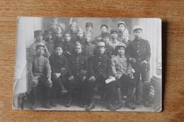 Carte Photo  WWI 1914 1918 Troupes Coloniales  Asiatiques Kepi Journal Trun Bao - Guerre, Militaire