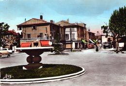 (145)  CPSM  Berre   Place De La Mairie   ( Bon Etat) - Autres Communes