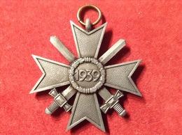 Abzeichen Orden Kriegsverdienstkreuz 1939 Mit Schwertern 2. Klasse Feinzink An Öse WW2 - 1939-45