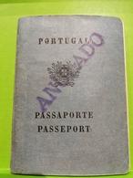 Portugal, Passaporte, Passeport 1964. Anulado. Emitido Em Lourenco Marques Mozambique - Lettres & Documents