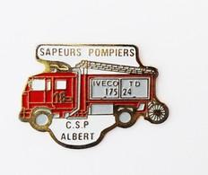 Pin's Camion Pompier Sapeurs Pompiers CSP Albert - R49 - Pompiers