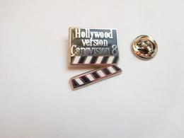 Superbe Pin's En Zamac , Cinéma , Hollywood Version Canovision 8 , Clap , Canon - Cinéma