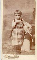 Photo CDV Fillette Avec Sa Poupée. Photo A. Détrax. Thonon Les Bains 1880 - Ancianas (antes De 1900)