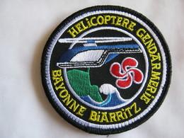 ECUSSON GENDARMERIE NATIONALE SAG BAYONNE BIARRITZ HELICOPTERE ETAT EXCELLENT SUR VELCROS - Police & Gendarmerie
