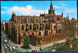 Séville - La Cathédrale Et Sa Giralda  . - Sevilla