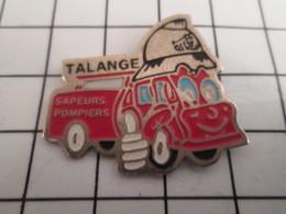 716b Pin's Pins / Beau Et Rare / THEME : POMPIERS / SAPEURS POMPIERS TALLANGE CAMION ROUGE - Firemen