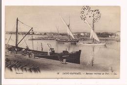 Saint-Raphaël: Bateaux Rentrant Au Port - - Saint-Raphaël
