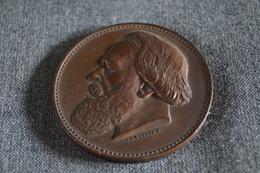 Médaille En Bronze P.J. Van Beneden Professeur Université De Louvain,étudiants, Diamètre 55 Mm. - Professionnels / De Société