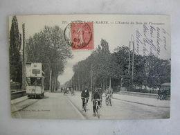 TRAMWAY - NOGENT SUR MARNE - L'entrée Du Bois De Vincennes (très Animée) - Tramways