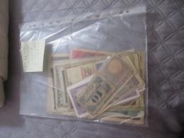 Lot De 37 Billets De Banque Variés Principalement EUROPE ,2 VIETNAM Et 2 Necessités Dont Indochine - Billets