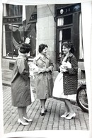 №58  Photography Of Urban Women On Avenue - Sofia 1960, Old FOTO PHOTO - Anonymous Persons