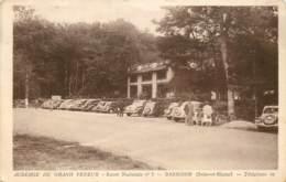 BARBIZON AUBERGE DU GRAND VENEUR ROUTE NATIONALE 7 LE PARKING - Barbizon